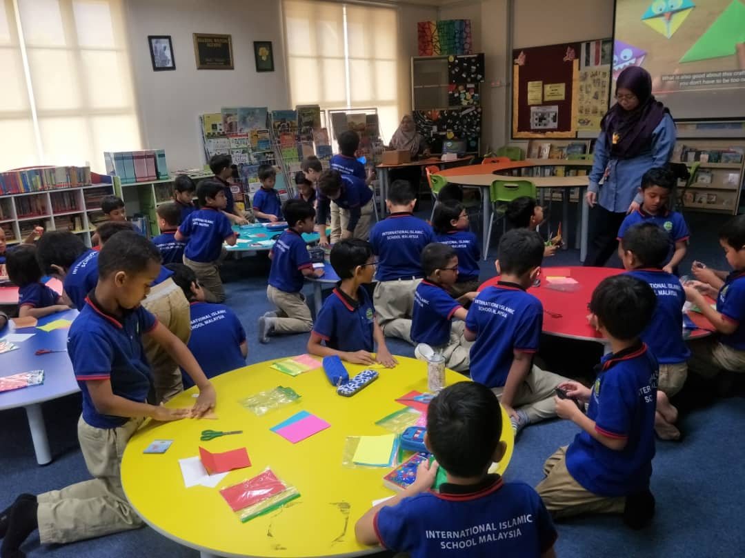 English as the medium of instruction at International Islamic School Malaysia (IISM)
