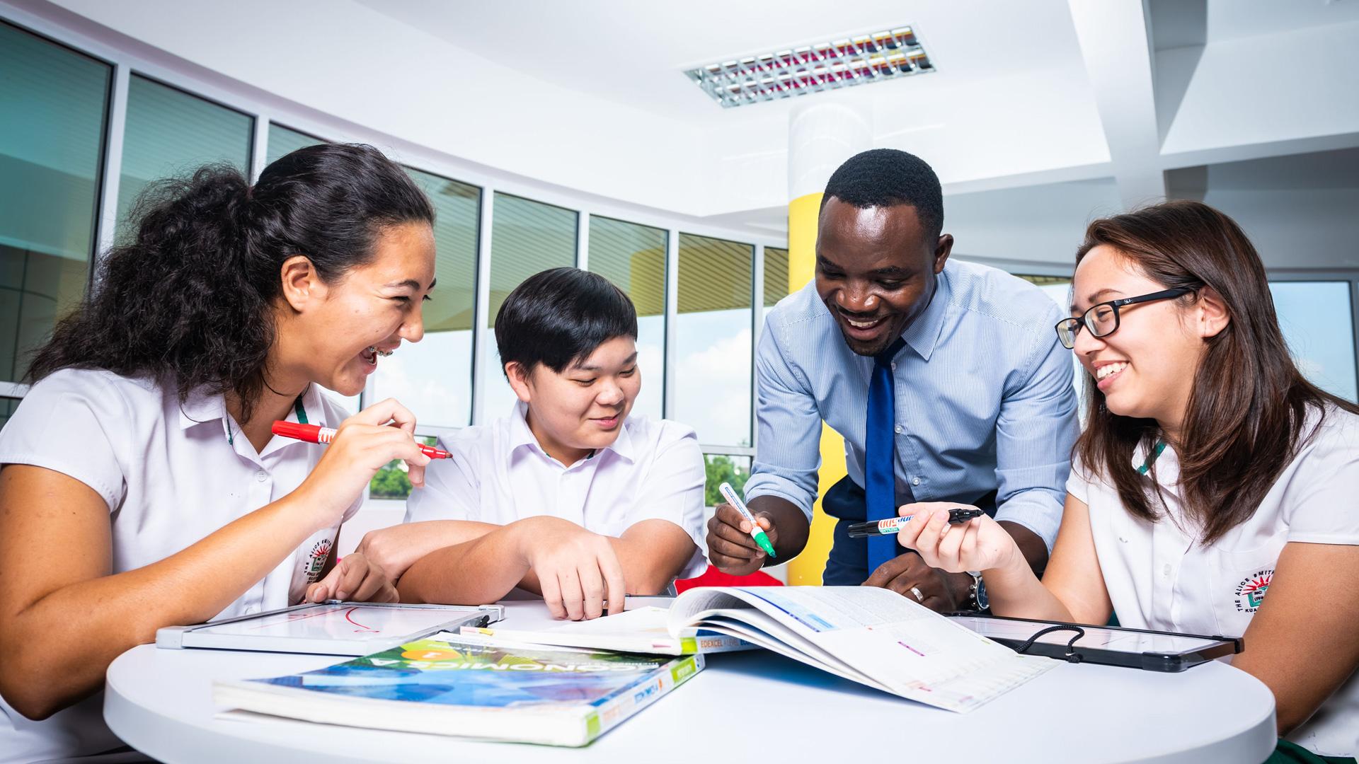 Alice Smith International School Scholarships